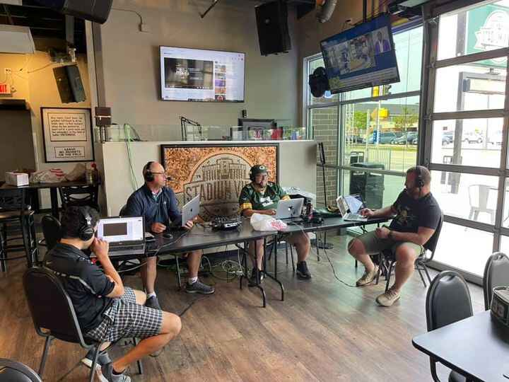 5 Wide (with Butch on the live feed) live from Stadium View Sports Bar & Banquet Hall this morning! L to R: Armen, Czabe...