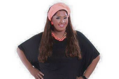هيا الشعبيوما يتميز به وجهها أيضا من الطفولة والبراءة، غير أن زيادةَ الوزن كانت لها آثار سلبية على صحتها، وقررت إجراء عم...