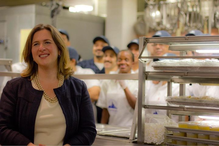 EPISODE 41: Today's guest is Beth Shapiro, executive director of Citymeals on Wheels (@citymeals), an organization that ...