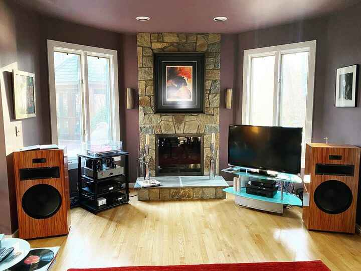 Recently delivered the latest of our custom built horn speakers.  Built using vintage components for optimal sound.