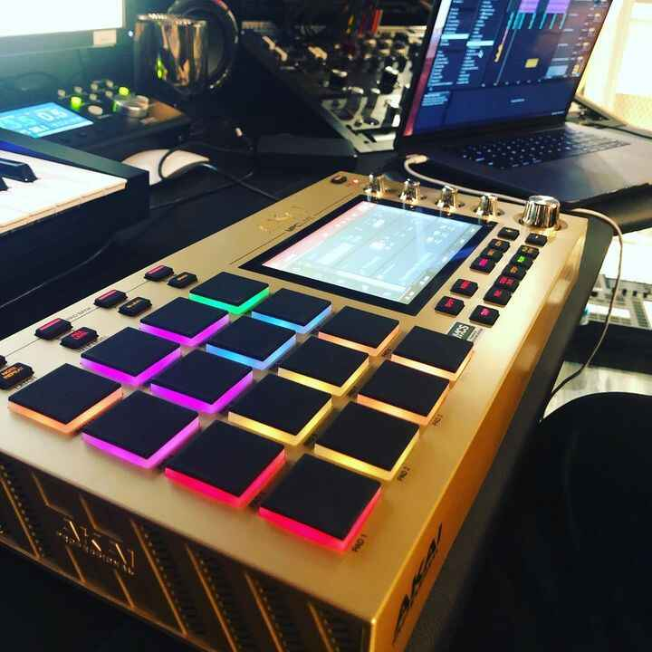 This gold edition MPC... 🔥🔥🔥